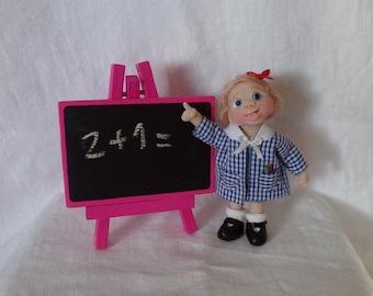 OOak miniature clever little girl Dollhouse 1:12 scale