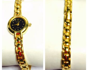 Vintage PULSAR Ladies Wrist Watch, Gold Tone, Flexible Band, Quartz, Clearance Sale, Item No. B200