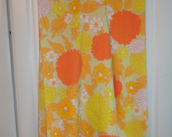 Vintage Retro Floral Flat Sheet in bright vivid colors in very good condition which can be reused, recycled and refined into something great