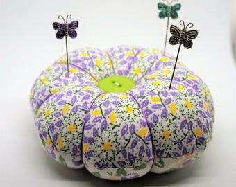 Flower Pincushion, Round Pincushion, Lavender Flower Pincushion, Round Pin Cushion with decorative pins