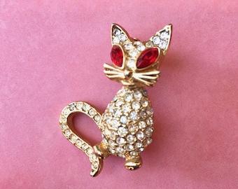 Sweet Vintage Rhinestone Kitty Cat Brooch with Crimson Eyes