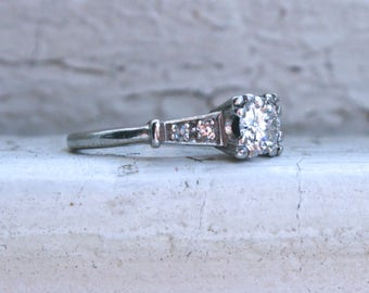 Lovely Classic Vintage Platinum Diamond Engagement Ring - 0.87ct.