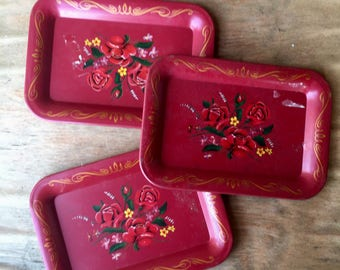 Small floral serving trays, set of 3, 1960's