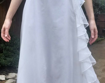 White. 1940's-1950's vintage. Wedding, Debutante, Evening, Formal. Long dress/gown. Extra Small- Small. XS S.