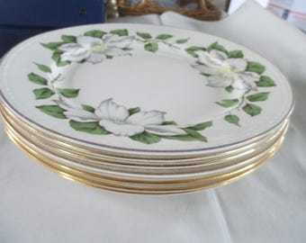 Vintage  7 dinner plates 9 inch Eggshell Georgian Homer Laughlin made in USA L 55N5 floral used good condition