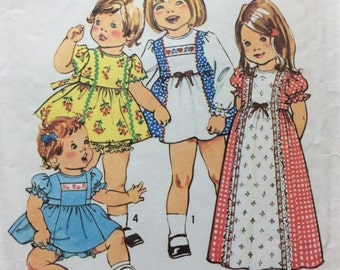 """Pattern For Toddlers' Dress in Two Lengths and Panties Simplicity 7154 Size 1/2 Breast 19"""""""