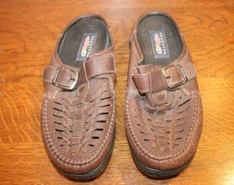 Size 8,Leather Clogs,clogs boots,leather clogs,clogs 8,womens clogs,slip on shoes,slip ons,womens shoes size 8,dexter,leather slip ons