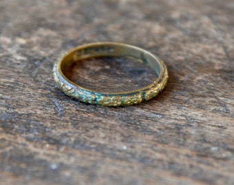 Antique Uncas Brass Band Ring Art Deco Promise Ring Forget Me Nots Floral Made in USA Size 7 US 1920's // Vintage Designer Costume Jewelry