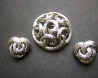 TRIFARI Elegant Silver Metal Brooch & Earrings c 1970s