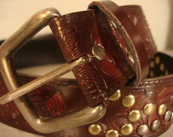 Boho 1990 Vintage Dark Tan Tooled Stud Gold Tone Hardware Belt