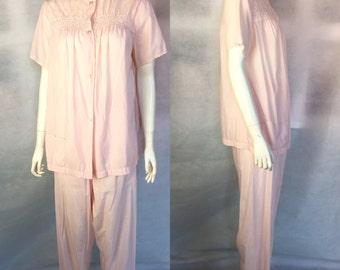 SALE! 1950s pink rayon pyjamas