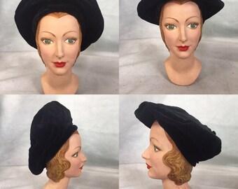 1940s parisian beret , black velvet