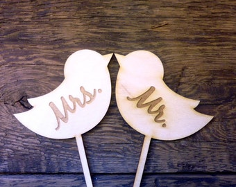 "Wedding Cake Topper Sign Love Birds Engraved Wood Signs ""MRS MR"" Photo Props Mr and Mrs"