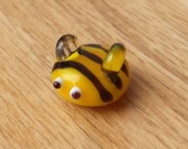 Lampwork Glass Honey Bee Super Magnet. Perfect for your white board!!