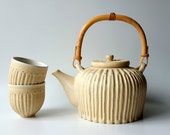 Ceramic Teapot in Soft Cream by Cecilia Lind, StudioLInd