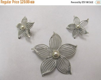 On Sale SARAH COVENTRY Floral Pin and Earring Set Item K # 2169