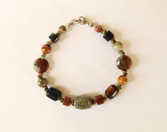 Mens Brown and Green Beaded Bracelet 8 1/2 Inches