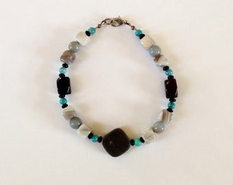 Mens Gray and Blue Beaded Bracelet 9 1/4 Inches