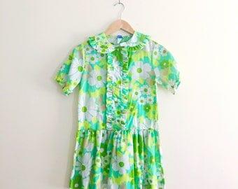 Vintage Green Retro Floral Babydoll Dress / Peter Pan Collar Mini Dress / Tunic Top / Blouse / 60s