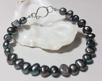Simple Black Peacock Pearl Bracelet - Freshwater Pearl, Handmade Bracelet, Gift for Her, Bridesmaid Gift