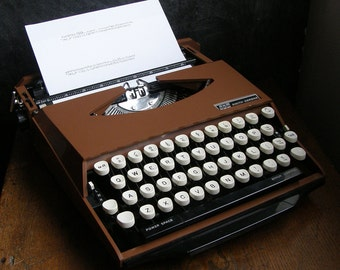 Rare1970s Smith Corona Ghia Chocalate Brown  manual portable typewriter,tjaarda,tomaso,car designers new ribbon,free uk postage