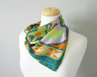 Vintage GREEN RETRO PRINT Silk Scarf/one size