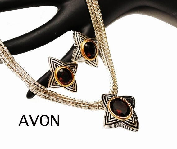 Avon Star Necklace earring set - amber brown glass - Star - silver and gold tone metal - pierced earrings
