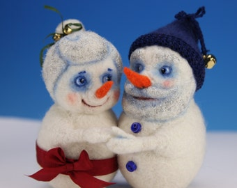 Snowcouple. One-of-a-kind Needle Felted Sculpture.