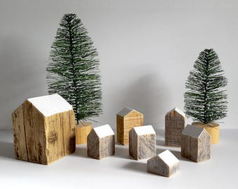 Tiny Wood Houses Decor - Recycled Materials