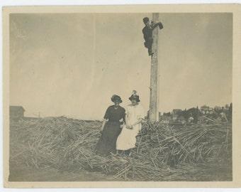 Stalker, c1910s Vintage Snapshot Photo (72547)