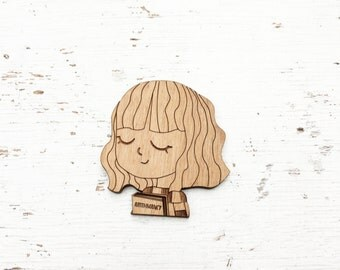 CHARACTER : Hermione Granger Brooch Pin