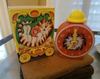 Avon vintage tic tok tiger, bubble bath, box,