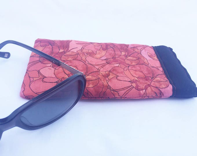 Pinch Open Sunglass Case, Padded Glasses Case, Easy Open/Close Sunglasses Case, Black and Red