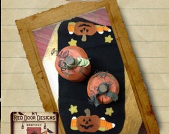 Great Pumpkin Candle Mat wool applique kit and pattern