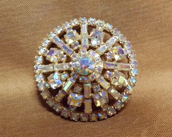 "Vintage Weiss Aurora Borealis Rhinestone Intricate Circle Brooch Pin 2"" Diameter Blinding Sparkles! Designer Jewelry"