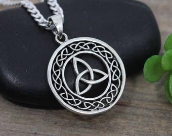 Sterling silver Celtic Knot Necklace, Triquetra Knot Celtic Jewelry, Mens Knot Necklace, Unisex Jewelry gift. Mens Celtic knot pendant. 9255
