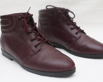 """Rare 90's Vintage """"DANEXX"""" Burgundy Red Leather Ankle Boots Sz: 9 (Women's Exclusive)"""