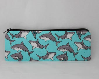 Little zipper pouch Sharks