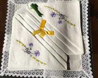 ladies cotton lace trimmed handkerchiefs unused