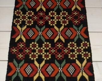 Swedish hand woven wall hanging / runner / rare/ beautiful / old but unused