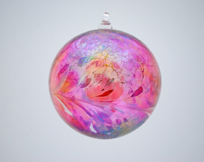 e00-62 Medium Iridescent Ornament Ruby