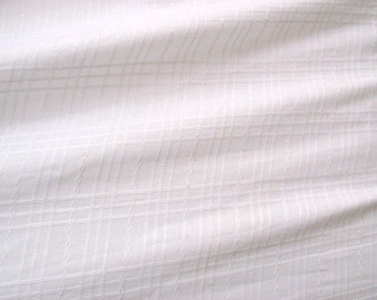 Pure White Textured Cotton Plaid Fabric for Clothing