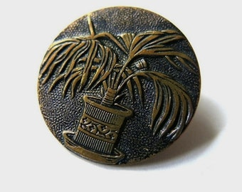 Old Picture Palm Button // Metal Button antique // 1920 - 1940 Collectibles