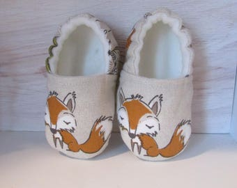 Elasticated booties with lovely fox and owl fabric design. Fits 6 - 12 months old