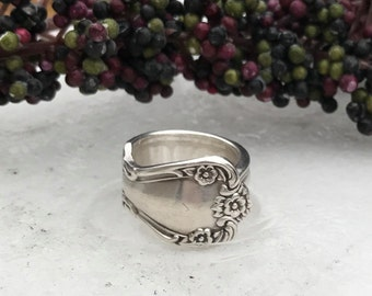 Sterling Silver Plate Spoon Ring, Pattern: Elegant Lady circa 1952
