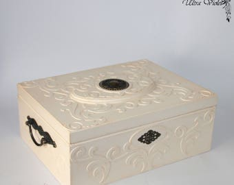 "Large jewelry box / jewelry box  ""With Love"" (wooden box)"
