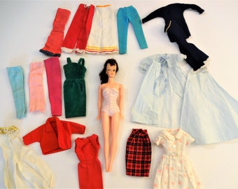 1960's Eegee Annette Doll - Barbie Clone Doll - Brunette Ponytail Doll - With Vintage Clothing Lot - Annette - Wendy - Bild Lilli Doll Clone