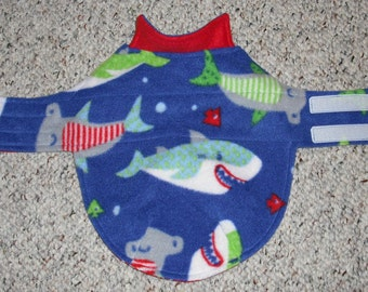 """Reversible Fleece Dog Coat for Mini Dachshund, Doxie, Chiweenie (xs, long 7-11 lbs., 16"""" girth), Sharks and nautical anchors"""
