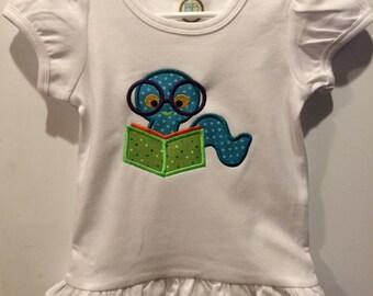 Bookworm design / shirts or onesies