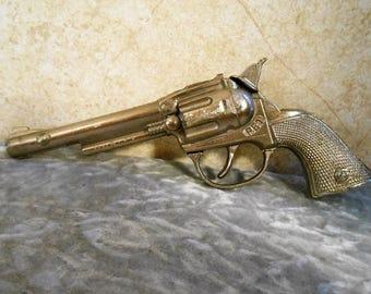 """1950's  Working Hubley ( """" Pet """" )Metal Toy Cap Gun"""